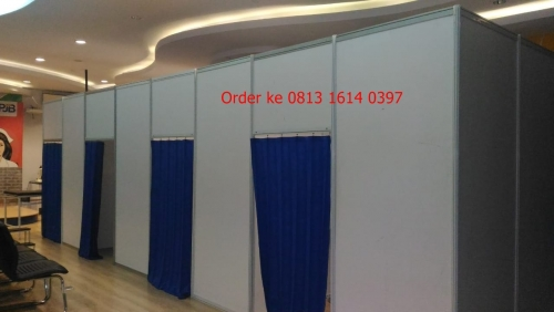 jual dan sewa fitting room  partisi pameran r8